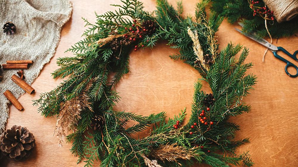 fresh-cut-greenery-arrangements-for-the-holidays-diy-wreath