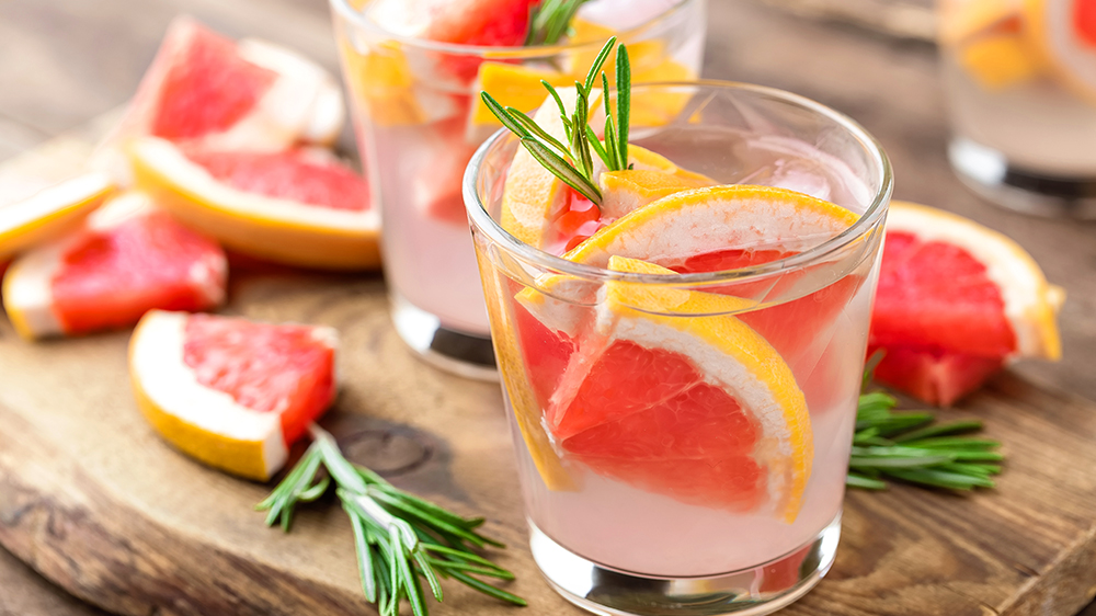 herbs-for-summer-cocktails-grapefruit-rosemary