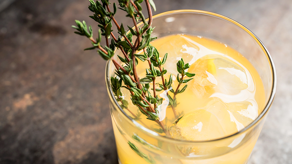 herbs-for-summer-cocktails-thyme