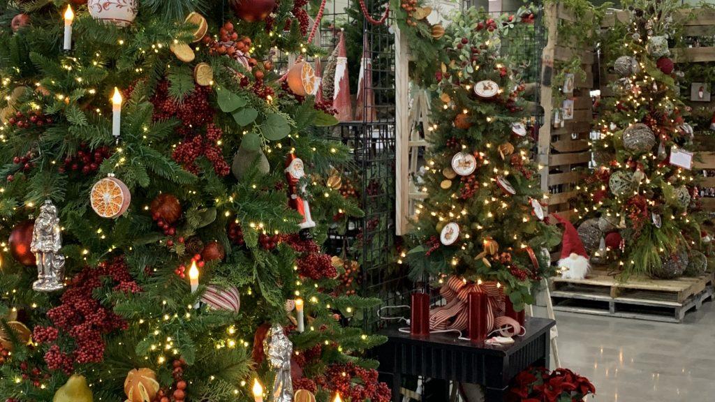 2020 Christmas Tree Themes